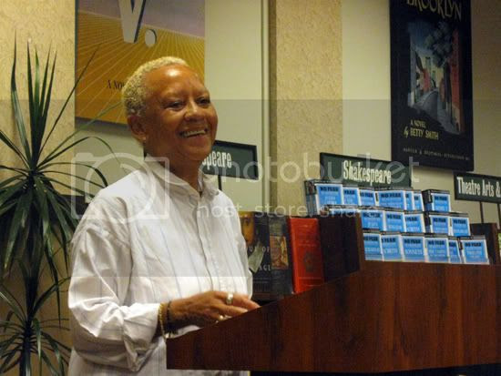 nikki giovanni photo: Nikki Giovanni Smiles 20090511-nikki.jpg