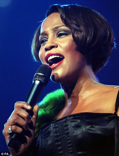 Assalariado Big: Durante o período de sua carreira, Houston vendeu um colossal 55 milhões de álbuns nos Estados Unidos