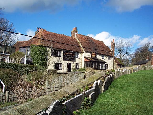 The Horse Guards Inn Tillington Maigheach Gheal Cc By
