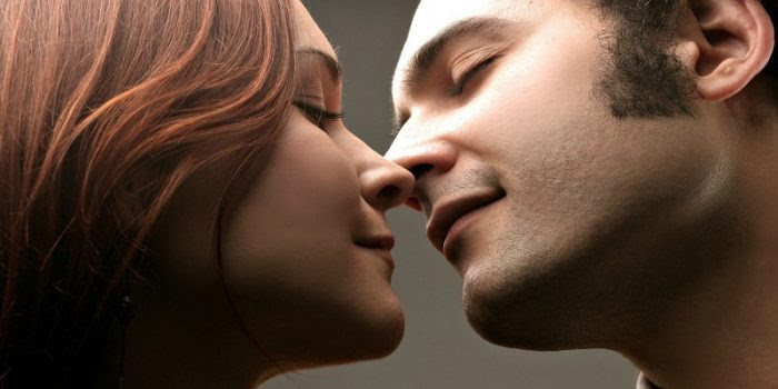 [A Must Read For All Guys] 5 Ways To Give Your Girlfriend Assurance