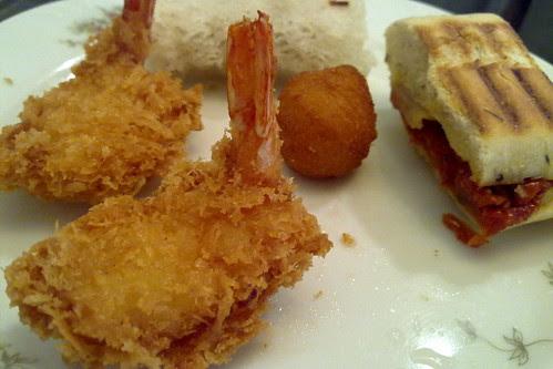 Fried stuff at Goodwood Park Hotel cafe hi-tea buffet