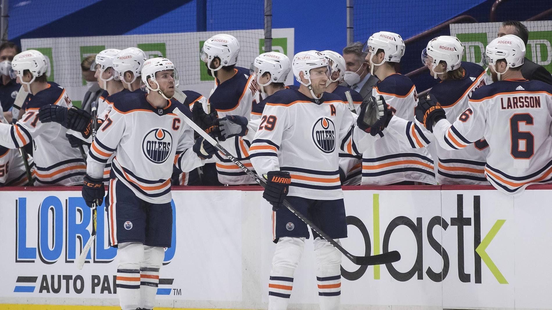 NHL: Leon Draisaitl mit Doppelpack, Dominik Kahun mit Vorlage bei Oilers-Sieg