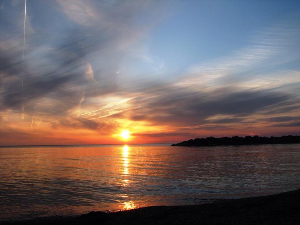 [Photo of a sunset at Willow Bay]