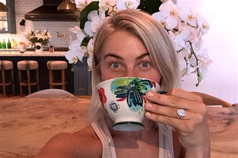 [PICS] Julianne Hough?s Engagement Ring Revealed ? Her