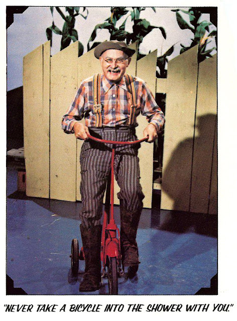 jones career long association with nashvilles grand ole opry began in 1946 he was a regular on hee haw from its inception in 1969 and was inducted - Grandpa Jones Christmas Guest