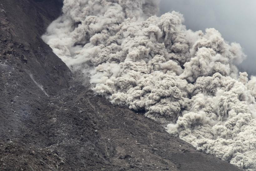Mount Sinabung Volcano Eruption: Over 1,200 Villagers In Indonesia Forced To Evacuate