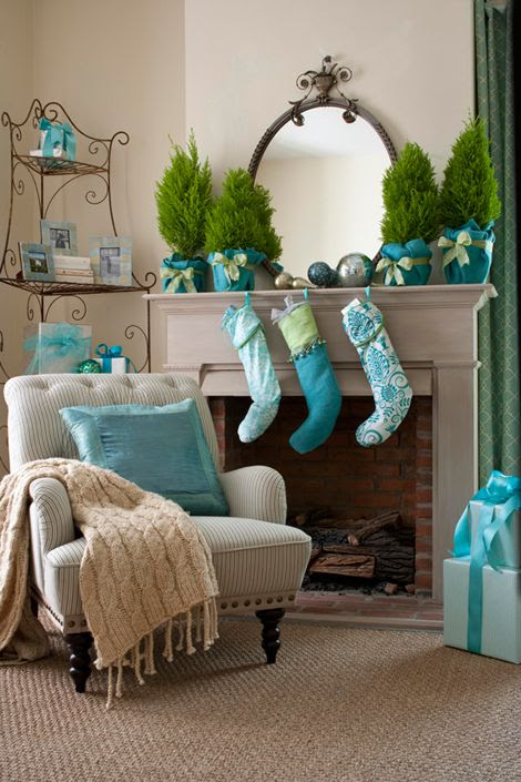 Teal and green holiday fireplace mantle decor - a refreshing and modern twist! Decorating: Holiday Mantels