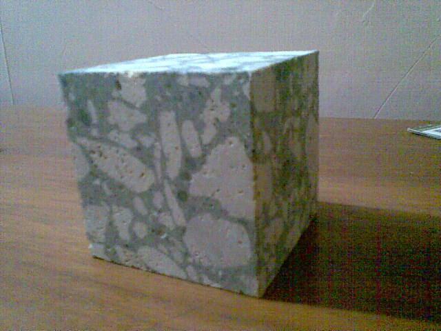 Potongan Beton Normal Agregat Batu Putih