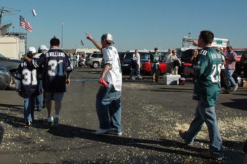 eagles fans harassing cowboys fans web.jpg