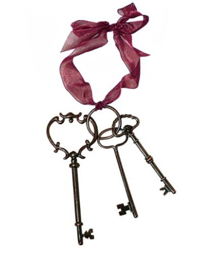 Shabby Cottage Chic Antique Decorative Keys