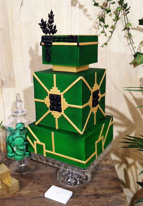 Gatsby inspired wedding cake. Emerald green, gold and