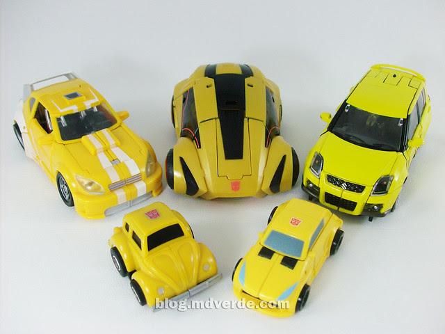 Transformers Cybertronian Bumblebee Generations Deluxe vs Classic vs G1 vs Alternity - modo alterno