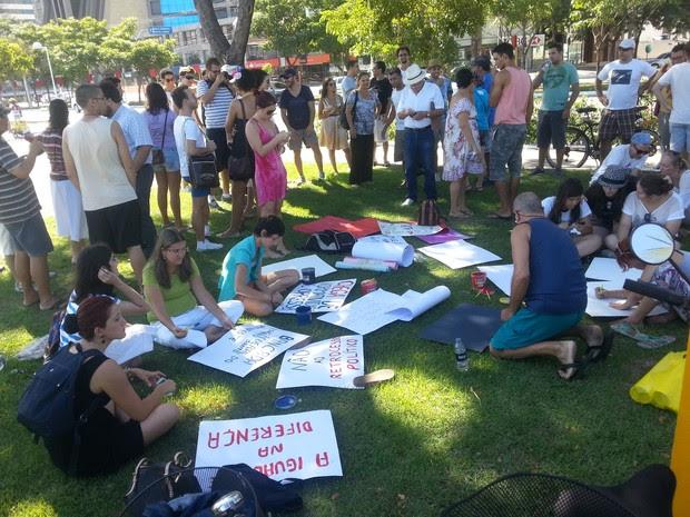 Grupo do Espírito Santo protesta contra nomeação de pastou para a Comissão de Direitos Humanos da Câmara dos Deputados. (Foto: Aubrey Effgen/VC no ESTV)