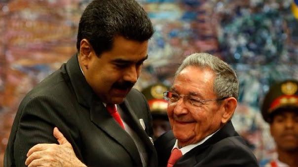Según el diario ABC de España, Nicolás Maduro habría hablado sobre su eventual salida del poder con su homólogo de La Isla, Raúl Castro, hace dos semanas.