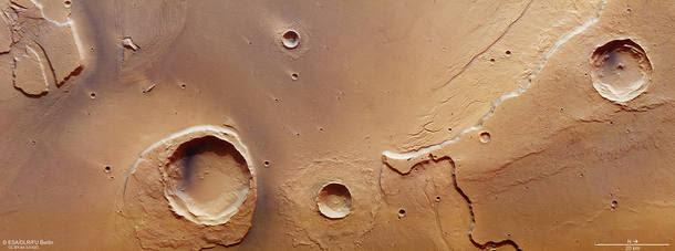 Agência espacial mostra vestígios de enorme inundação em Marte