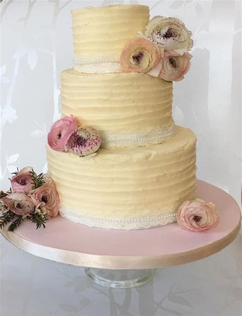Adele's Cakes   Getting Married in Northern Ireland Magazine