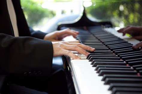 Wedding Ceremony Music Guide Eric Redmond, Pianist / Vocalist