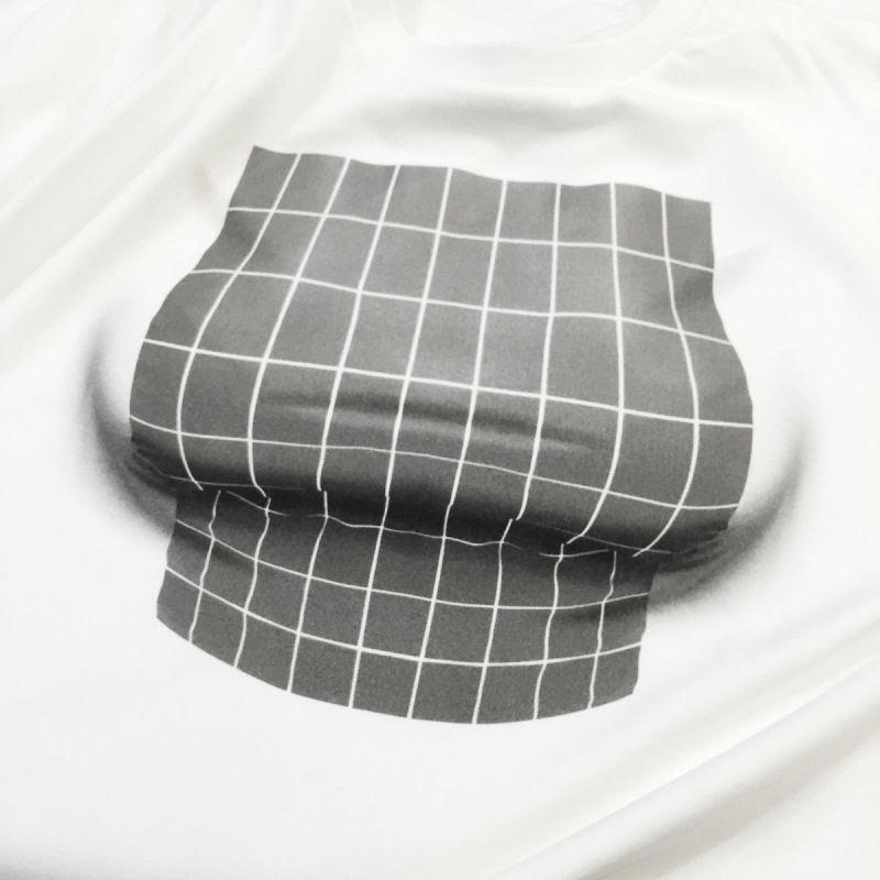 Camiseta habilmente desenhada pode proporcionar um grande busto a qualquer mulher 06