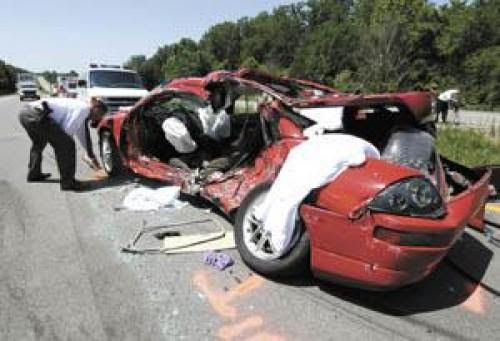 Threecar crash fatal on Natcher  News  bgdailynews.com