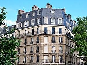 Typical Parisian architecture in the 7th arron...