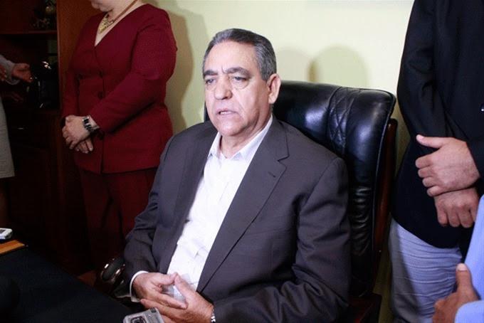 Concejo Regidores SFM suspende al alcalde Félix Rodríguez Grullón