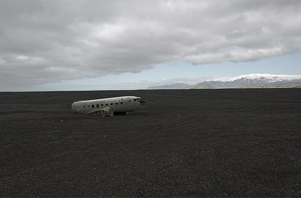 Destroço de aeronave acidentada na Islândia (Foto: Dietmar Eckell)