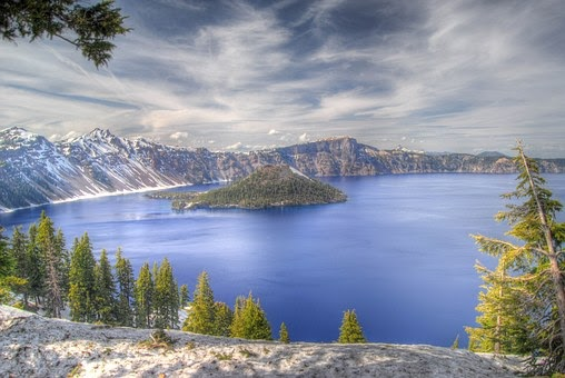 Most beautiful Lakes around the world, Have a look and get amazed with beauty of Mother Earth