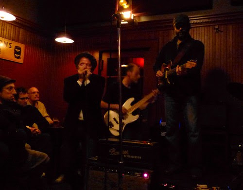 Dennis Brennan & The White Owls, at Toad