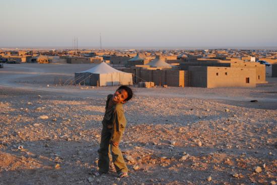 Resultado de imagen de el pueblo saharaui en los campamentos