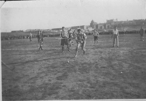 Partido de Hockey en Toledo. Escuela de Gimnasia, años 30.  Fotografía de Eduardo Butragueño Bueno