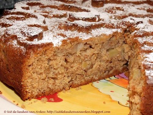 Appelcake met walnoten en honing