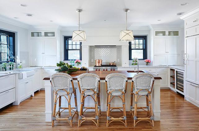 Bistro Style Kitchen with Breakfast Nook - Home Bunch – Interior ...