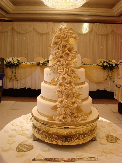 Iced Collection Stacked style 504 ? Asian Wedding Cakes