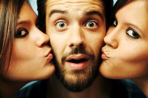 Resultado de imagem para Amar várias pessoas ao mesmo tempo pode vir a ser um comportamento comum