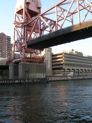 P9240018_Bridge Open at 13p