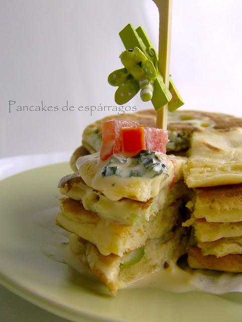 Pancakes vegetarianos de espárragos