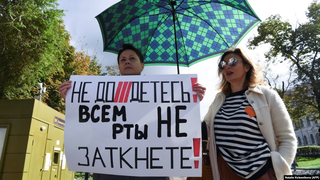 'From Restraint To Destruction': Russian Vote Overshadowed By 'Foreign Agent' Repressions