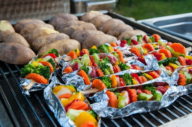 Rock the Block: What Food to Bring to Your Next Summer Block Party