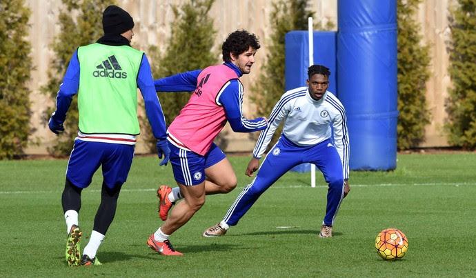 Alexandre Pato treino Chelsea (Foto: Reprodução / Facebook)