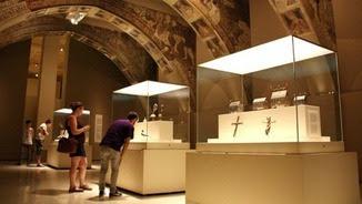 La sala del MNAC on s'exhibeixen les pintures murals de Sixena en conflicte judicial amb l'Aragó, en una imatge d'arxiu