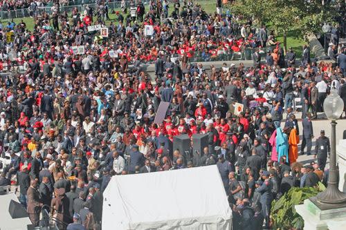 Crowd_-_Andrea_Muhammad_B.jpg
