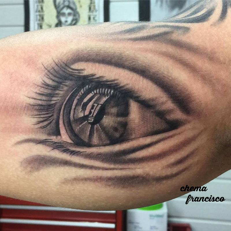 Ojo En El Biceps