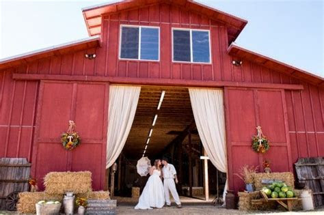 17 Best ideas about Red Barn Weddings on Pinterest   Barns