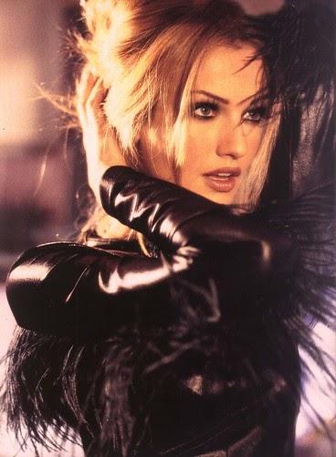 Celeb Book: Karen Mulder in leather jacket