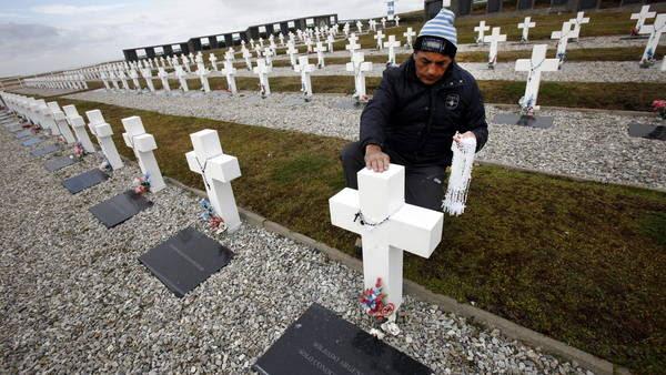 El cementario argentino de Darwin donde estan los cuerpos de los soldados no identificados de la guerra de Malvinas. EFE