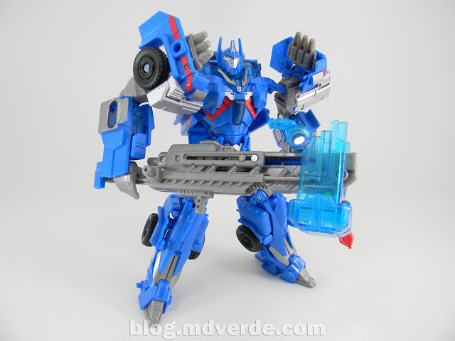 Transformers Ultra Magnus Voyager - Transformers Prime RID - modo robot