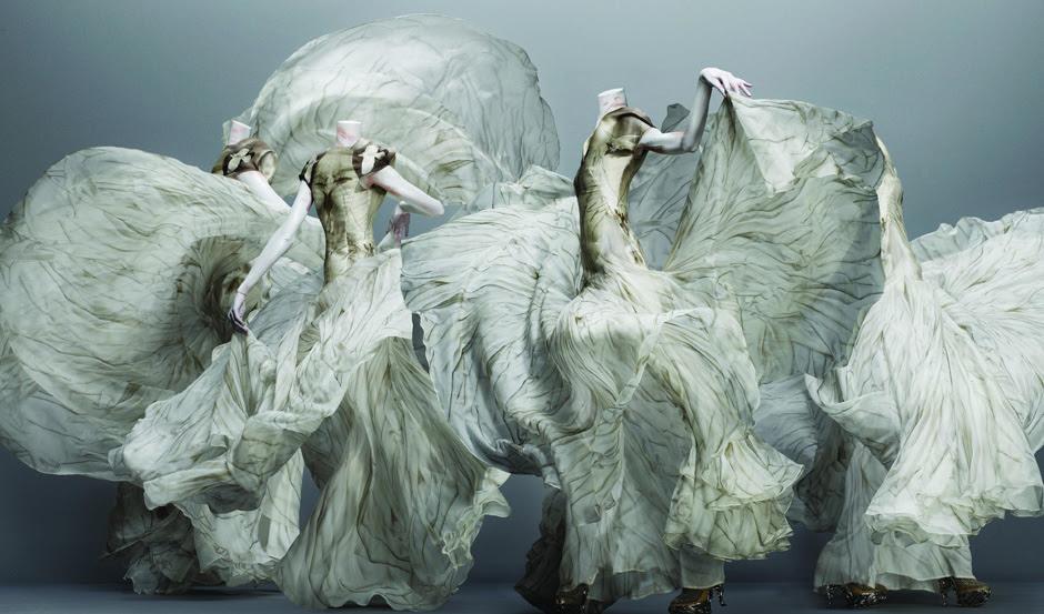Resultado de imagen de Alexander McQueen. Savage Beauty, a