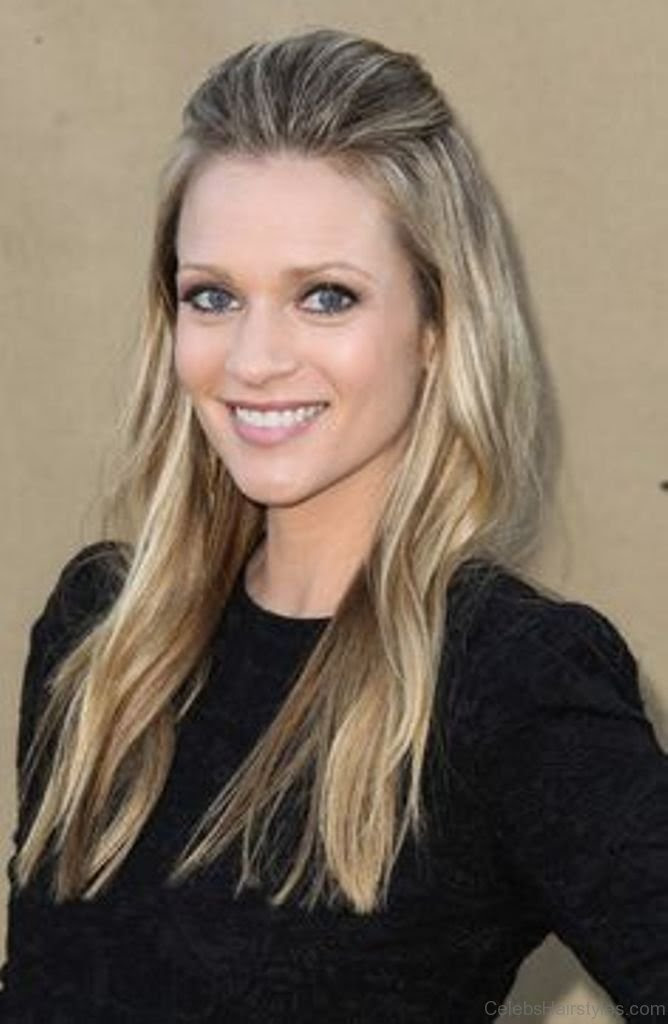 17 Best Hairstyles Of A. J. Cook