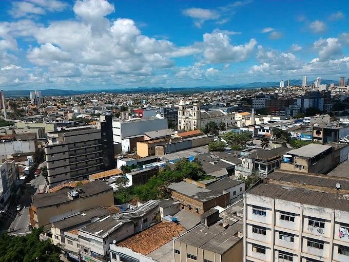 Novo decreto em CG limita funcionamento de supermercados, bancos e interdita ruas