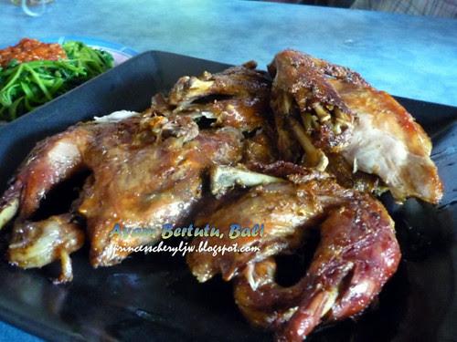 Ayam Bertutu Bali 04
